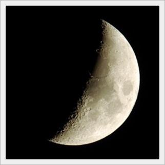 月の表情 三日月