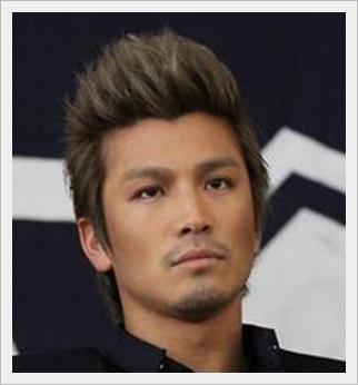 岩田剛典 ヒゲ 髪型