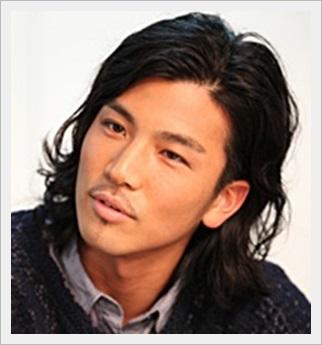 岩田剛典 髪型 黒髪ロング