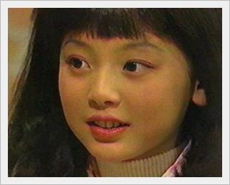花澤香菜 かわいい 性格 メガネ 天然 結婚 熱愛彼氏 プロフィール 人見知り 子役時代 可愛い