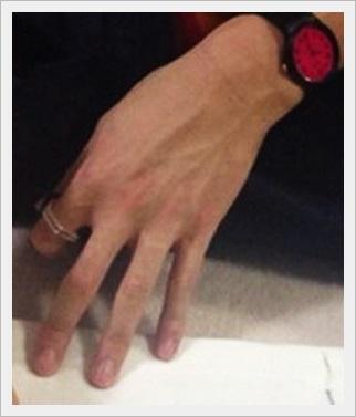 花澤香菜 かわいい 性格 大学 本名 熱愛彼氏 結婚 噂 梶裕貴 結婚指輪跡
