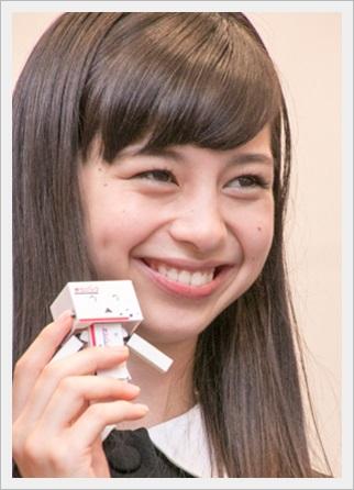 中条あやみ かわいい すっぴん メガネ 笑顔 画像 本名 笑顔1