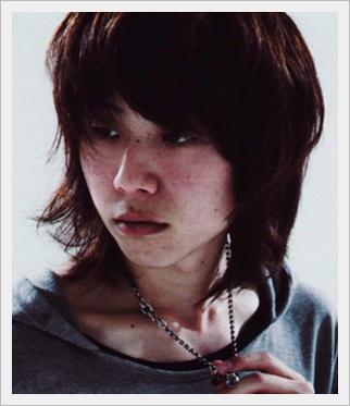 ONE OK ROCK、tomoya、ドラム、上手い、彼女、髪型、笑顔、かわいい4