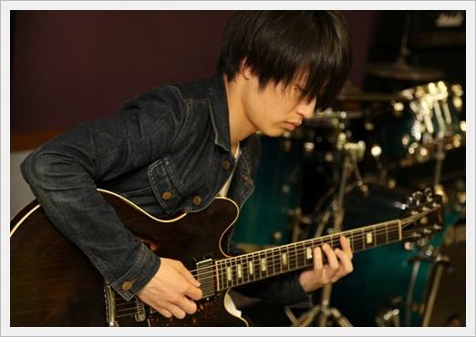 アレキサンドロス ギター 白井 寡黙 イケメン 年齢 身長3