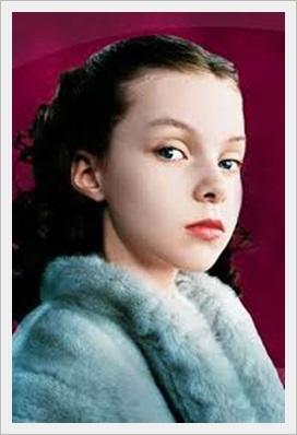 チャーリーとチョコレート工場の子役達が大人になった現在の画像wwwジュリア・ウィンター子役時代