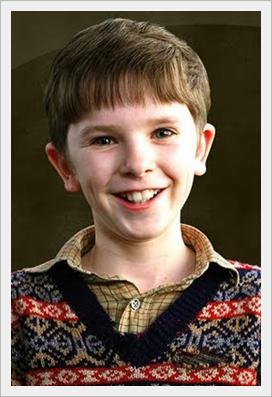 チャーリーとチョコレート工場の子役達が大人になった現在の画像wwフレディ・ハイモア子供時代