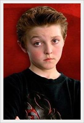 チャーリーとチョコレート工場の子役達が大人になった現在の画像wwwジョーダン・フライ子役時代