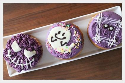コストコのハロウィンスイーツ&お菓子2017!怖いメニューBEST7!紫いものハロウィン カップケーキ