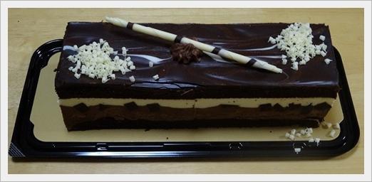 コストコのクリスマスケーキ2017!混雑で予約なしの当日購入はムリ?タキシードケーキ